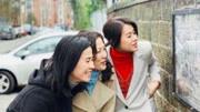 胡杏兒宣萱陳慧珊同游英國,TVB三位花旦聚首引回憶殺