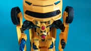 玩巨型机器人跟玩具火车!