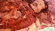 盗墓贼闯进古墓 发现千年女尸竟然喊饿 吓坏盗墓贼险些丧命
