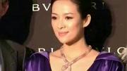 章子怡有多愛汪峰,看看她脖子上戴的2個字就明白了,太暖心了!