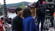 《沙海》花絮:张艺兴祭拜手机频抢戏掉出,张铭恩京话跑方言引爆