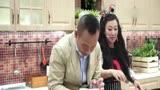 周海媚錄制《廚房的秘密》 堅稱當不婚族