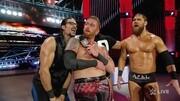【WWE】希思·斯萊特挑釁塞納被盧瑟夫踹下