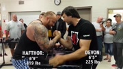 身高2米的世界最强壮男人魔山vs世界扳手腕冠军,结果惨不忍睹Devon Larratt vs. Game of Thrones The Mountain