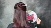 长发女生只扎马尾太浪费,编个简单漂亮发型,女神气质立马出来