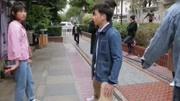 快把我哥带走:张子枫借父亲名义给妈妈送花,?#24576;?#24819;好心办坏事
