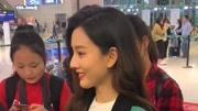 袁咏仪18岁未修泳装照曝光,长卷发的她简直美翻天
