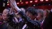 电影《地久天长》在京首映,导演王小帅携王景春等主创亮相红毯