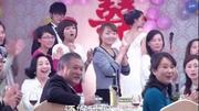 劉葉琳是不老女神,堅持健身20年,和兒子逛街被誤會情侶
