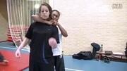 馬伽術教學:2分鐘學會警察堅持用的甩棍的實用方法