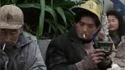 周润发演的小马哥抽烟?#20113;?#29255;段,乌鸦抽烟神气,两位影帝经典回味