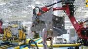 中國奧特曼大戰異型怪獸,還有鋼鐵俠輔助,最終打敗巨獸拯救世界