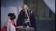 《三生三世十里桃花》东华帝君看着凤九为自己断尾晕倒,伤痛不已