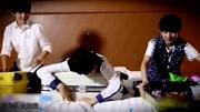 """""""王源买砖""""成学期末考题!学生要分析他的想法,让网友笑哭!"""