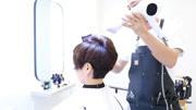 短发的女生这样扎头发,比最流行的丸子头还要好看!