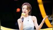小潘潘在晚會演唱《學貓叫》,周一圍的表情太真實,網友:難為他了!