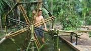 原始技术:如何制作竹制水车!