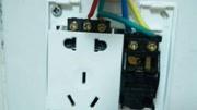 为什么插座安装一定要左零右火?听电工一解释,才知太多人不懂