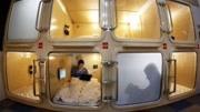 印度首家胶囊宾馆诞生,网友:确定不是洗衣机?