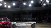全新马自达CX-5侧面碰撞:车门防撞钢梁清晰可见,安全性够厚道